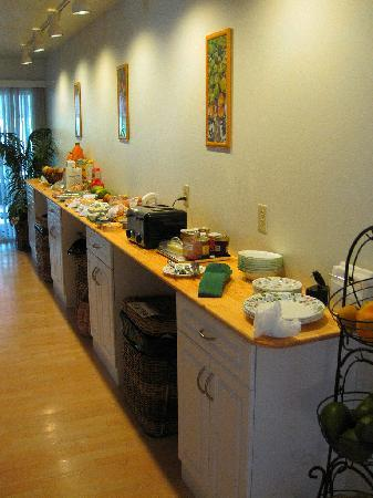 Halemalu: Suzette's spectacular breakfast buffet