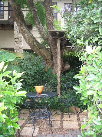 Amanzi Guest House: little private patio