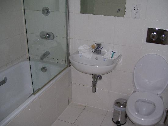Clarendon Serviced Apartments - Brushfield Street : bathroom