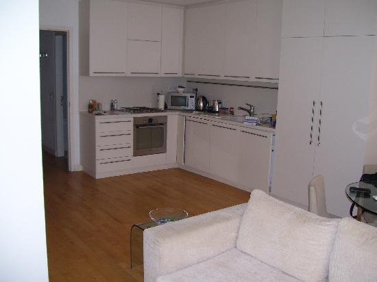 Clarendon Serviced Apartments - Brushfield Street : kitchen