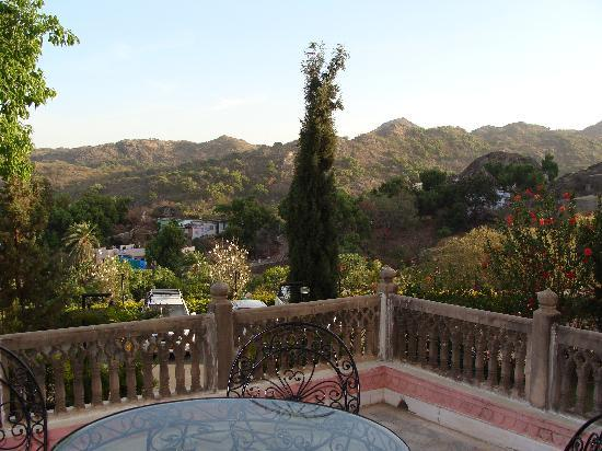 The Jaipur House: Hill View