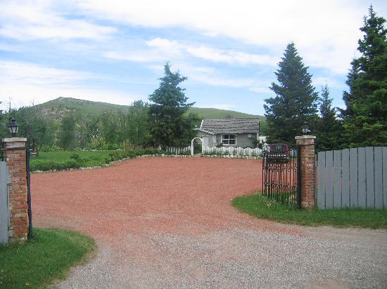 Beazer, Kanada: The gate