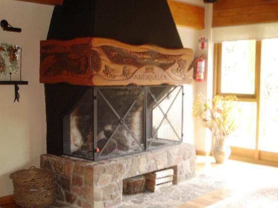 Antuquelen Hosteria Patagonica: la chimenea!!!