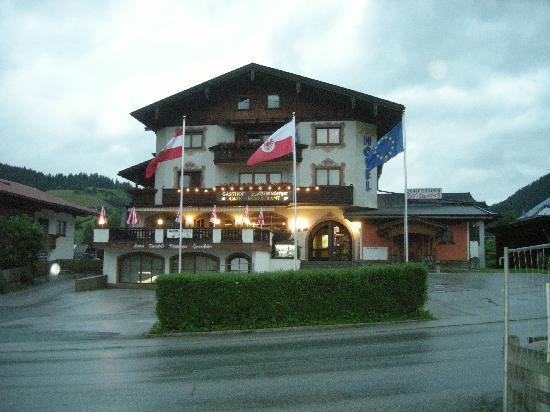 Hotel Schneeberger: Front of hotel