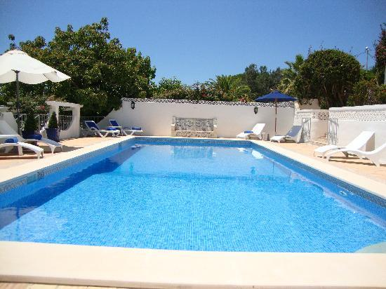 Quinta Bonita Luxury Boutique Hotel: Pool area