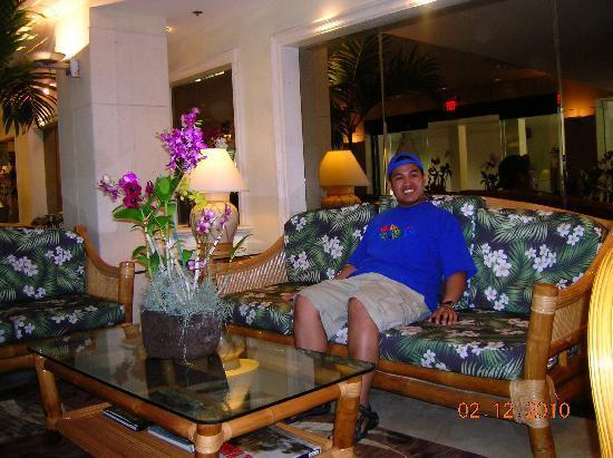 Ramada Plaza Waikiki : Hotel lobby