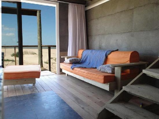 Punta del Diablo, Uruguay: Arquiteturas diferenciadas -praia rústica e acolhedora