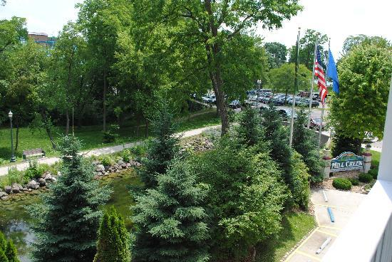 Mill Creek Hotel: Beautiful view from the balcony