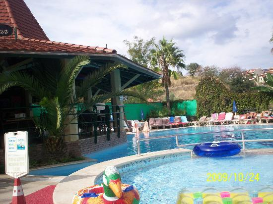 Grand Cettia Hotel: Pool Side
