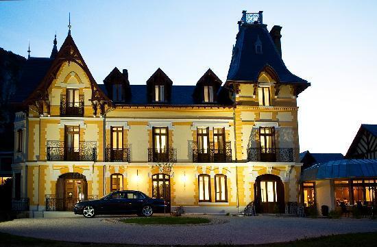 Tarascon-sur-Ariege, Francja: vue extérieure