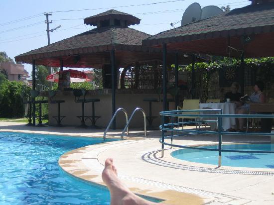 Bezay Hotel: Pool Bar, Pool Table/Dart area