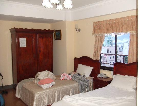 Golden Hotel: Zimmer