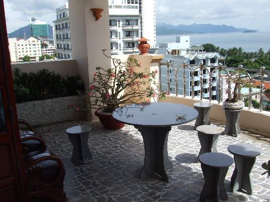 Golden Hotel: Veranda