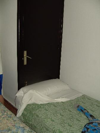 H·TOP Palm Beach & SPA: armario cama delante