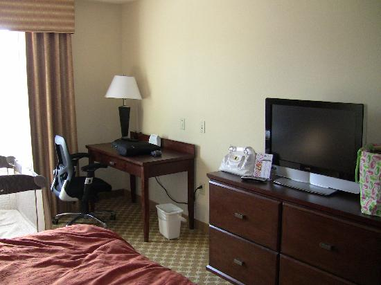 Country Inn & Suites By Carlson, Savannah Airport: More of The Room