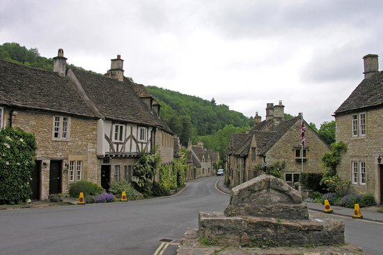 Bath, UK: Castle Combe