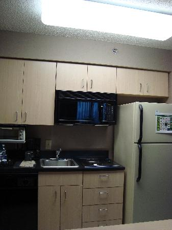 Homewood Suites by Hilton Austin-Arboretum / NW: kitchen