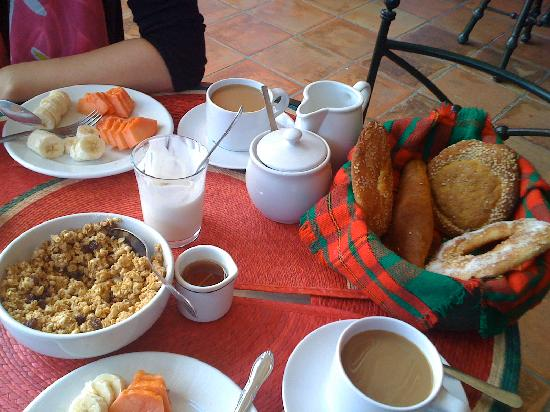 Casa de Siete Balcones: Yummy breakfast