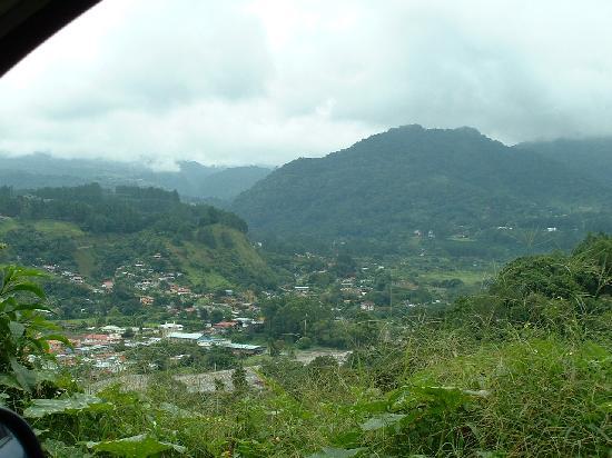 Volcan Baru National Park: Roadside view of Boquete