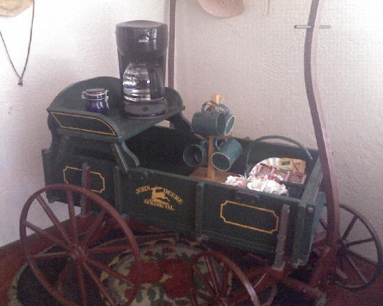 Whispering Firs B&B and Lodge : Coffee Station Extraordinaire!