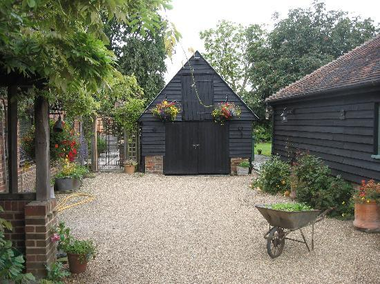 Canterbury Cottages: enterance to the cottage