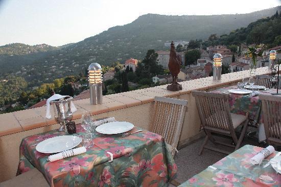L'Hostellerie du Chateau : Terrasse Panoramique