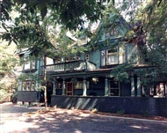 ستون سووب إن: Stone Soup Inn