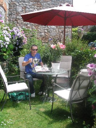 Tea on arrival at Chedwell Cottage
