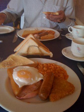 The Beechfield Hotel: English Breakfast