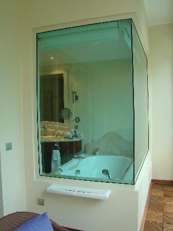 Iberostar Grand Hotel Bavaro: vue de la salle de bain depuis balcon