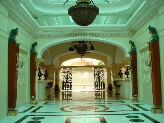 Iberostar Grand Hotel Bavaro: hall d'entrée