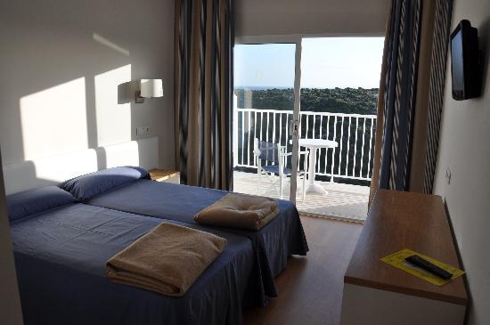 Hotel Playa Azul: The room