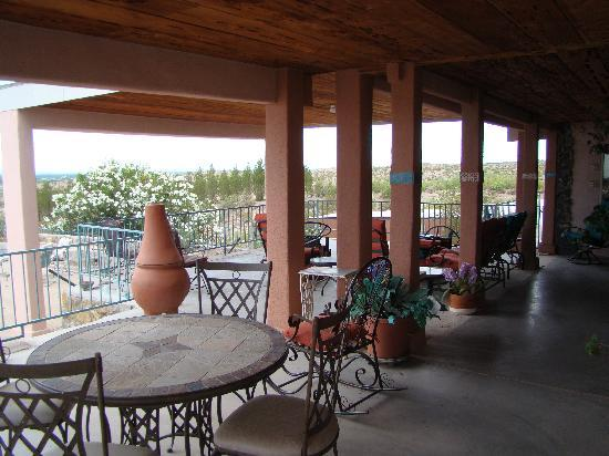 A Lodge on the Desert : Covered patio area off of breakfast room