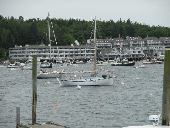 Flagship Inn: Downtown Boothbay Harbor