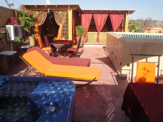 Riad Reves D'orient: Terrasse evec Jaccuzi