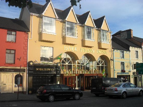 Castleisland Hotel, Co Kerry