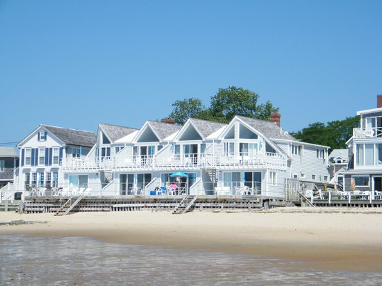 Watermark Inn: View of the Watermark from the beach