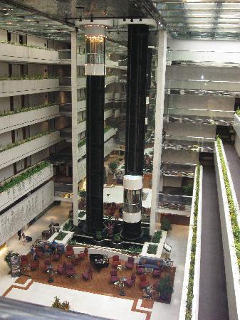 Concorde Hotel Singapore: The lobby