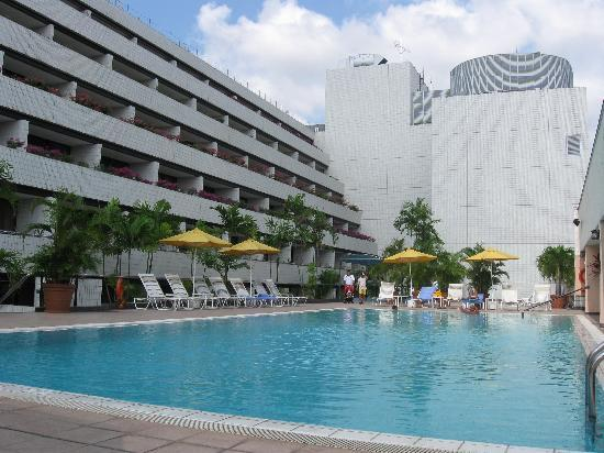 Concorde Hotel Singapore: The swimming pool