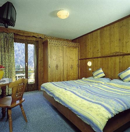 Hotel Cime d'Oro: Standard Bedroom