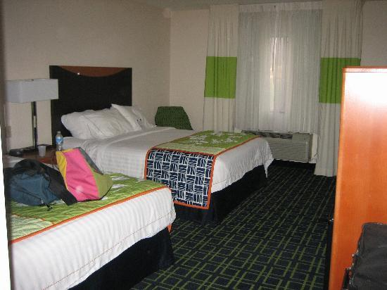 Fairfield Inn & Suites Spearfish: hotel room