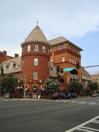 BEST WESTERN PLUS Windsor Hotel Americus: The Windsor from the street