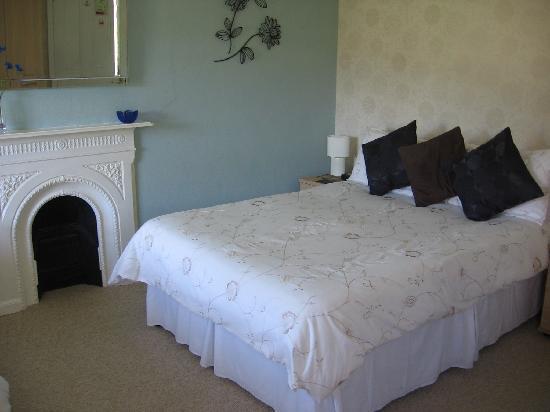 Bryn Derwen Guest House: A family bedroom