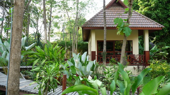 Oriental Kwai Resort: lovely bungalows