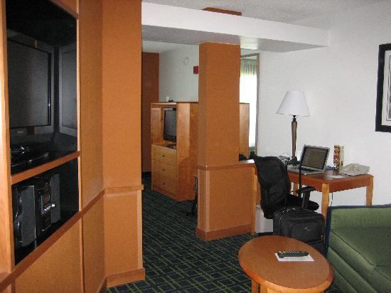 Fairfield Inn & Suites Idaho Falls: living room area