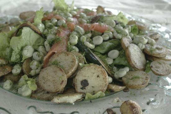 فوريست ووكس لودج: local organic meals