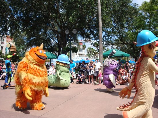 Disney's Hollywood Studios: 13.- Hollywood Studios :Parade de la tarde II