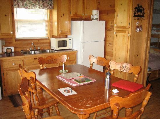 Broadleaf Guest Ranch: Kitchen