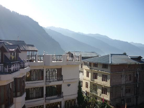 Hotel Kanishka: Sunrise from our balcony