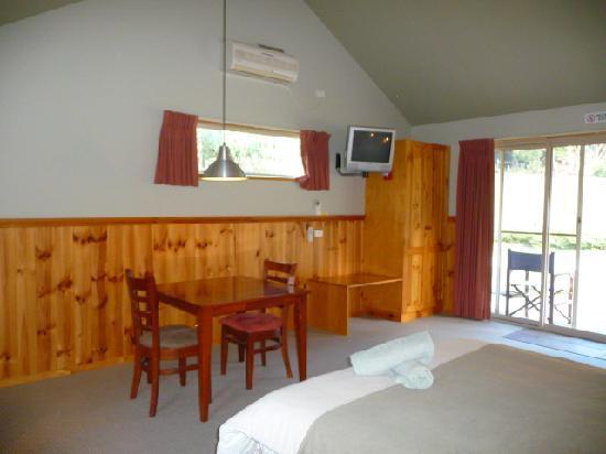 D'Altons Resort: standard studio cottage 2